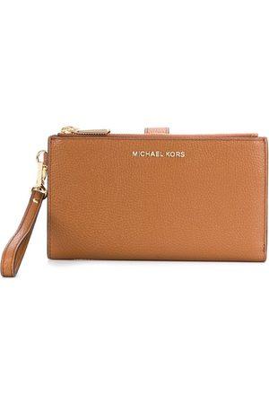 Michael Kors Adele smartphone wallet