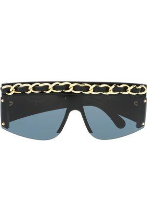 CHANEL Fyrkantiga solglasögon med kedjekant