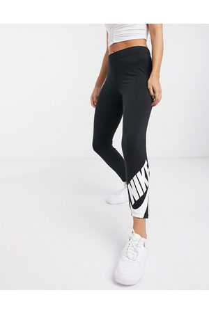 Nike – Futura Legasee – Svarta leggings