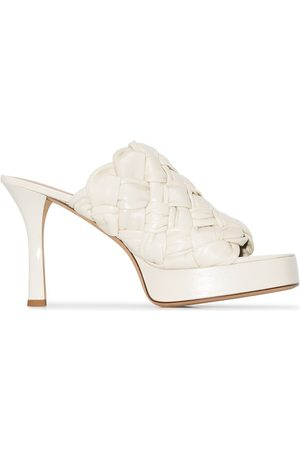 Bottega Veneta White bv board 105 woven leather mules