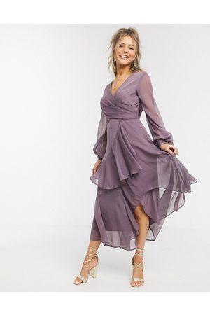 ASOS – långärmad midiklänning med omlott och kjol i två lager