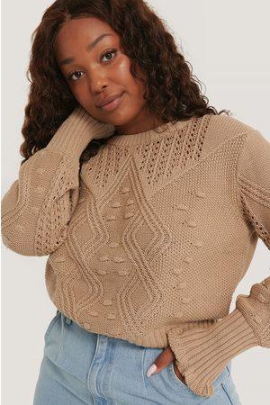NA-KD Kvinna Stickade tröjor - Stickad Tröja Med Volangdetalj