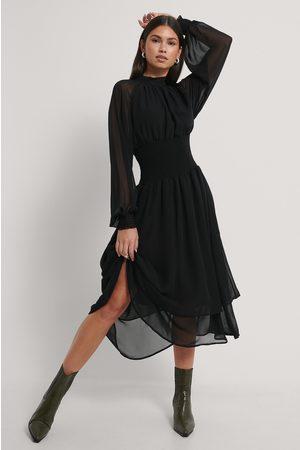 NA-KD Smocked Waist Midi Dress