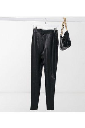 Topshop – Svarta byxor i läderimitationlack