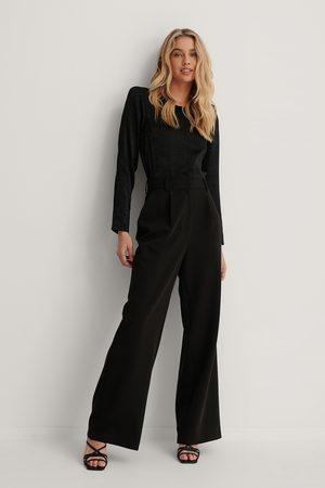 Lizzy x NA-KD Kvinna Dressade byxor - Utsvängda Kostymbyxor Med Hög Midja