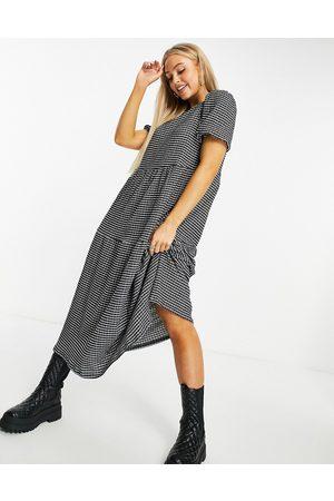 ASOS Kvinna Festklänningar - – rutig smockklänning i midilängd med sydda paneler