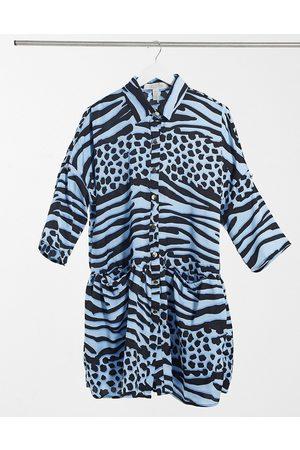 Liquorish Kvinna Festklänningar - – djurmönstrad miniklänning i oversize med omlottdesign