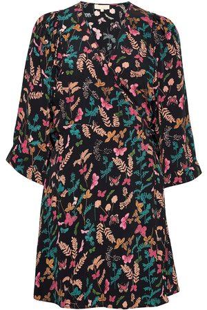 by Ti Mo Kvinna Mönstrade klänningar - Pre Spring Kimono Dress Kort Klänning Multi/mönstrad