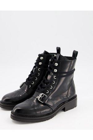 AllSaints – Donita – Svarta vandringskängor i läder med snörning och spänne