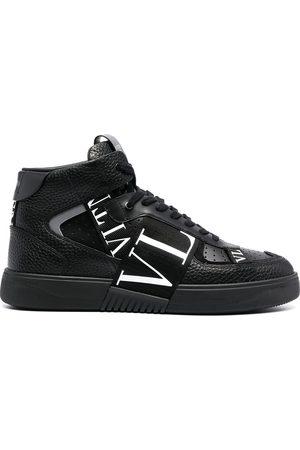 VALENTINO GARAVANI Sneakers med logotyp och randdetalj