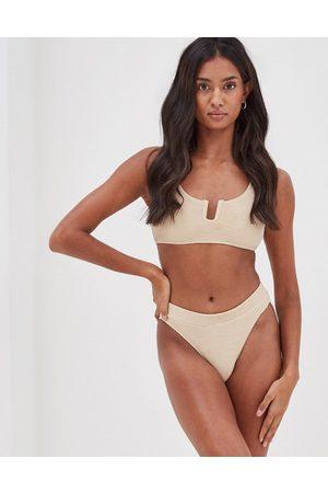 4th & Reckless 4th & Reckless – Fleur U – bikiniöverdel i kort design med textur