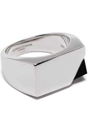 CAPSULE ELEVEN Ring med onyx