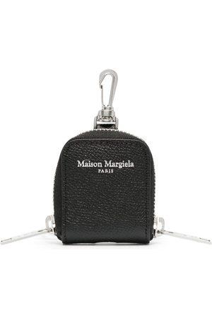 Maison Margiela Pouch med nyckelring och logotyp