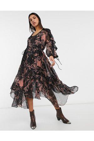 ASOS Blommig draperad midiklänning i dova färger med volang-, spets- och tofsdetaljer