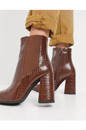 SIMMI Shoes Simmi London – Bruna krokodilmönstrade ankelboots med blockklack-Ljusbrun