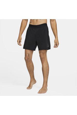 Nike Man Shorts - Shorts 2-i-1 Yoga för män
