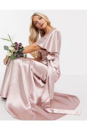 ASOS Kvinna Maxiklänningar - – Brudtärna – maxiklänning i satin med kimonoärm, kjol med våder och skärp-Pink