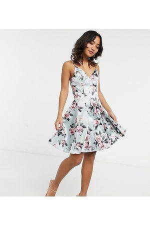 Chi Chi London – Blommig strukturerad balklänning i minilängd-Pink