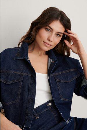 NA-KD Kvinna Jeans - Cropped Denim Raw Hem Shirt