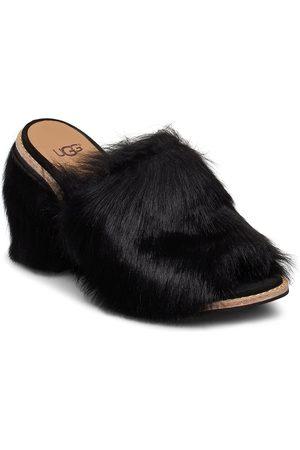 UGG W Rosa Fluff Heel Sandal Med Klack