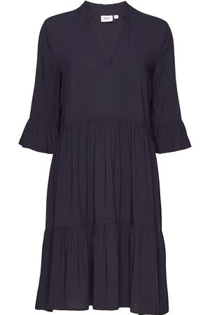 Saint Tropez Edasz Solid Dress Knälång Klänning