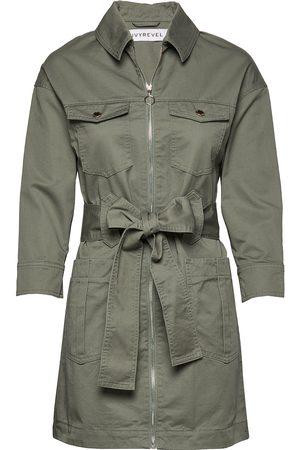 Ivyrevel Kvinna Trenchcoats - Utility Twill Dress Trench Coat Rock Beige