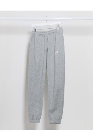 Nike – Club – joggingbyxor med muddar i casual fit