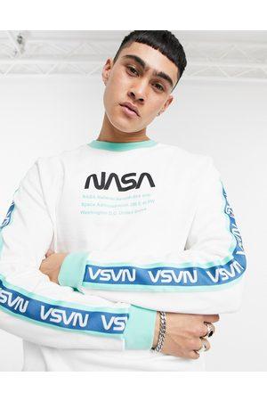 ASOS – sweatshirt med Nasa-tryck och rand