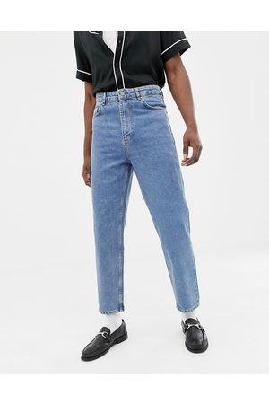 ASOS – Mellanblå, tvättade jeans med hög midja