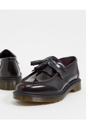 Dr. Martens – Adrian – Vinröda loafers med tofs