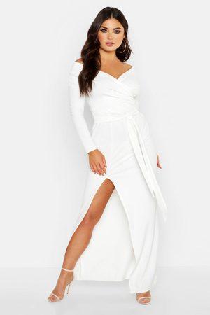 Boohoo Maxiklänning I Omlottmodell Med Bara Axlar Och Slits, White