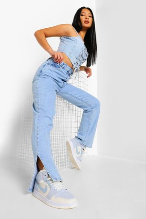 Boohoo Kvinna Bootcut - Petite - Jeans Med Slitsar Och Hög Midja