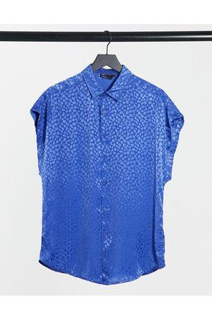ASOS – Klarblå skjorta i jacquardvävd satin med korta ärmar