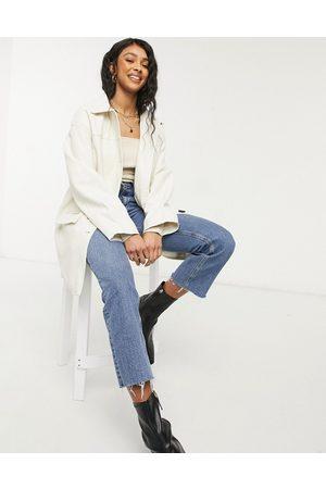 ASOS Kvinna Jackor - – Gräddvit skjortjacka i oversize av läderimitation med kviltat foder-Krämvit