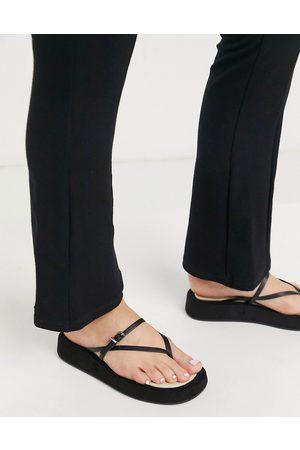 ASOS Kvinna Flip-flops - – Fateful – Svarta flip flops med grov sula