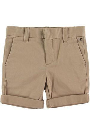 Calvin Klein Pojke Shorts - Shorts - Slim Chino - Sand