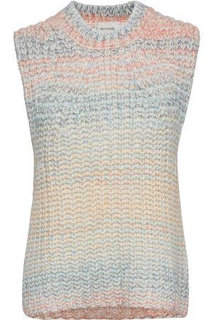 Second Female Elsa Knit Vest Vests Knitted Vests