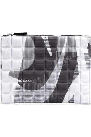 NO KA' OI Quiltad pouch med tryck