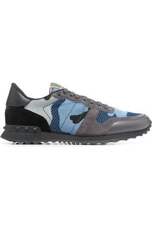VALENTINO GARAVANI Kamouflagemönstrade sneakers