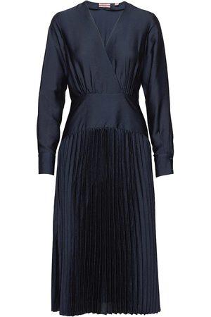 Scotch&Soda Kvinna Midiklänningar - Feminine Dress With Pleated Skirt In Structured Quality Knälång Klänning Blå