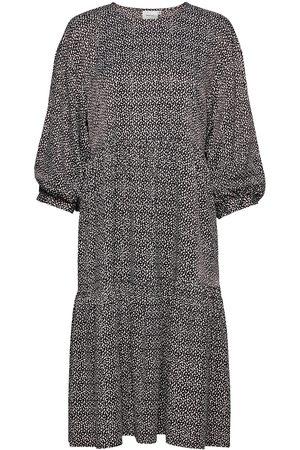 Gestuz Kvinna Mönstrade klänningar - Ilagz Dress Ms21 Knälång Klänning Multi/mönstrad