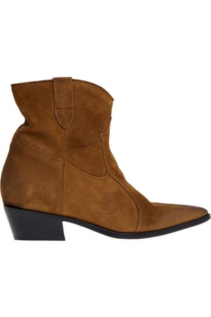 Lemaré Le Marè Texan ankle boot with internal wedge and heel