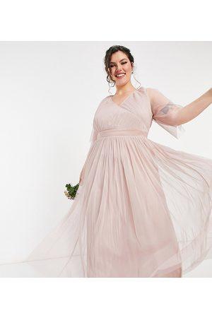 Anaya Plus Anaya With Love Plus – Brudtärnor – maxiklänning i tyll med utsvängd ärm-Pink