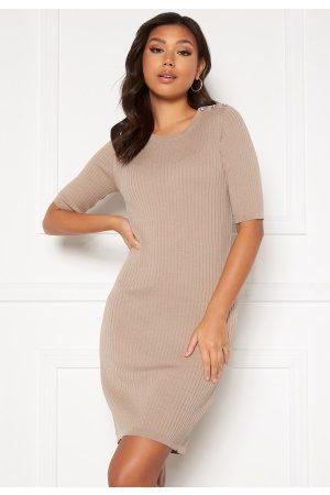 Vila Kvinna Stickade klänningar - Bosta Sleeve Knit Dress Humus L