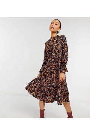 Vero Moda Petite – Djurmönstrad midiklänning med hög krage-Flera färger