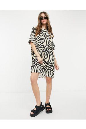Selected – Marilyn – Krämvit tunikaklänning med mönster