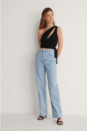 Curated Styles Lätt Tvättade Raka Jeans