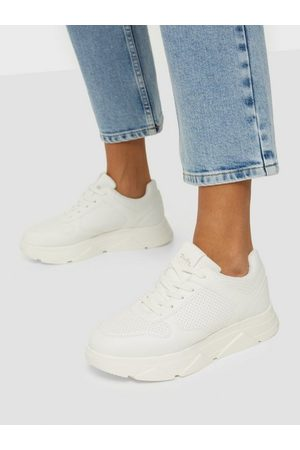 Duffy Classic Sporty Sneaker Low Top