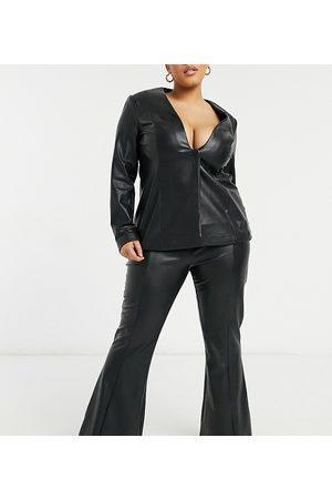 ASOS Curve – Svarta utsvängda byxor med hög midja i läderimitation