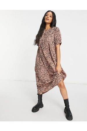Missguided – Rostfärgad smockklänning i minimodell med puffärmar och dalmatinermönster